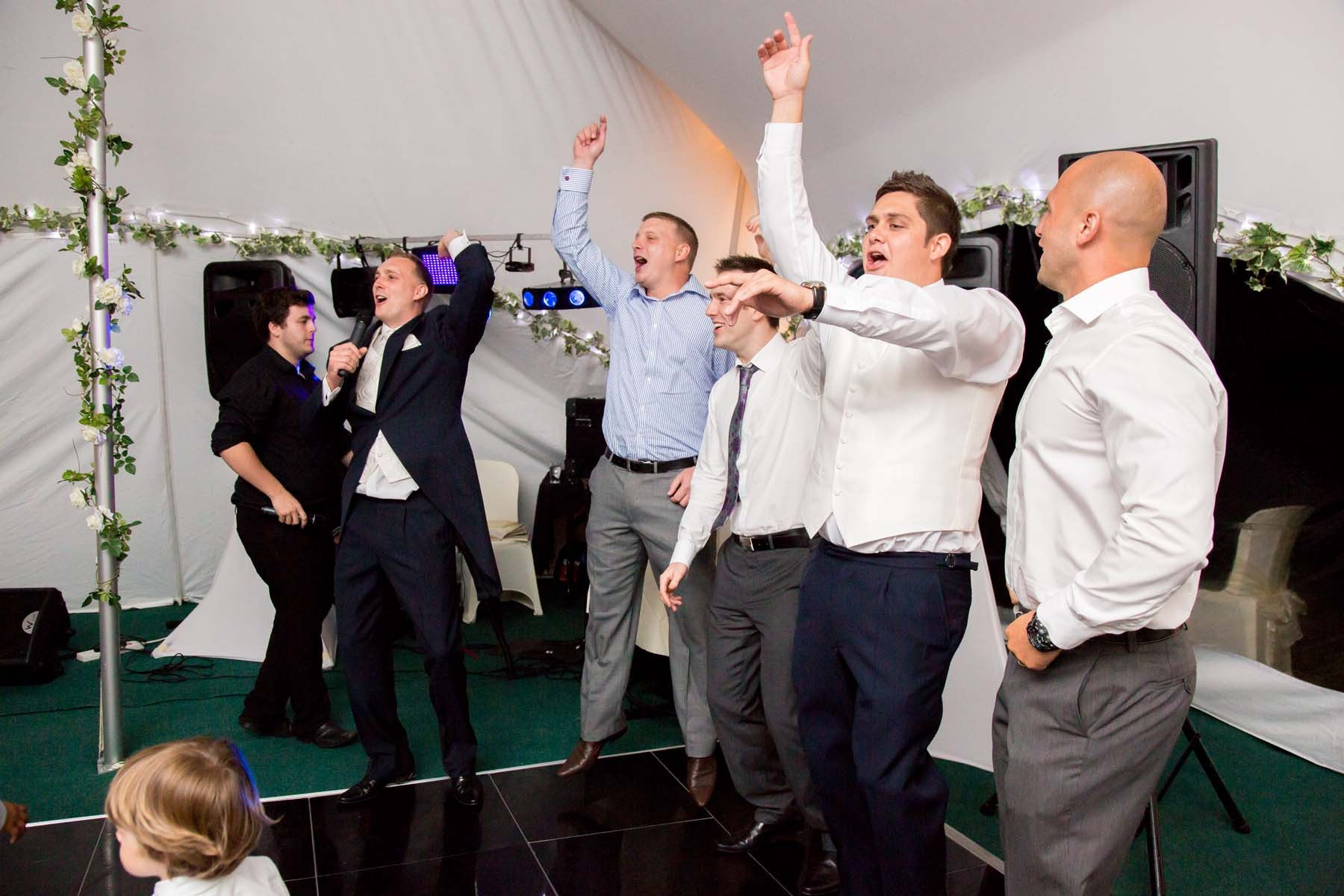 Sussex & Surrey Wedding Photographer - Guests & Groups (27)