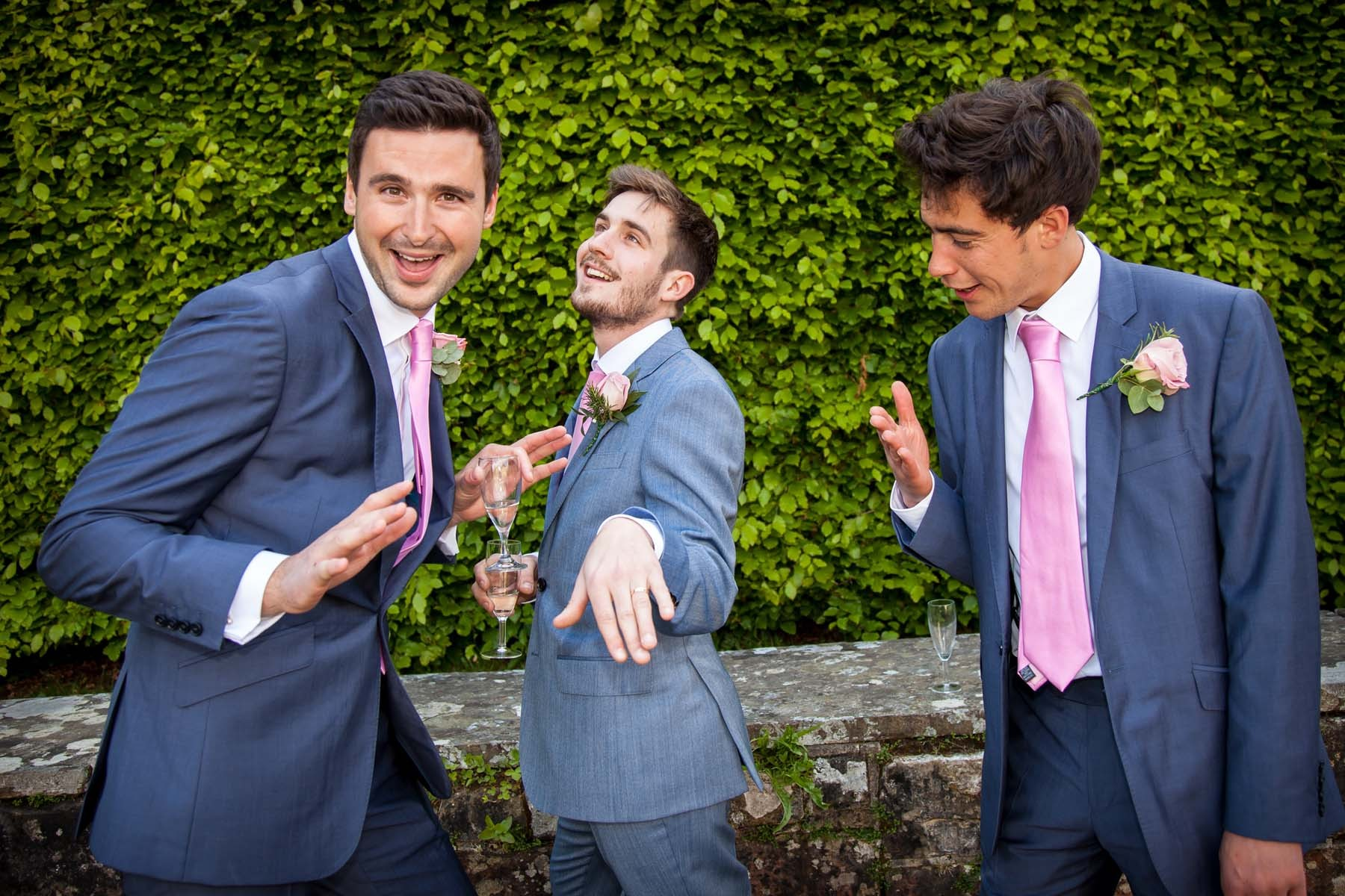 Sussex & Surrey Wedding Photographer - Guests & Groups (4)